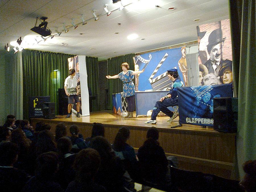 El colegio Pureza de María de Ontinyent, una propuesta para el curso 2012-2013 Internado femenino para ESO y Bachillerato