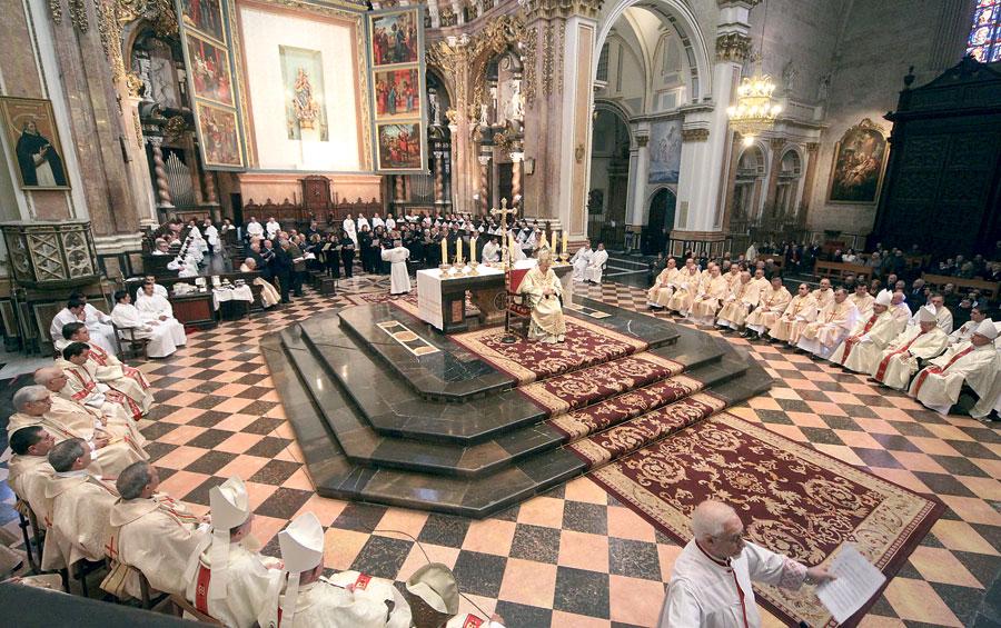 """Monseñor Osoro alienta a los sacerdotes a que """"se distingan como hombres de Dios"""" En la misa por la clausura del IV centenario de la muerte de San Juan de Ribera"""