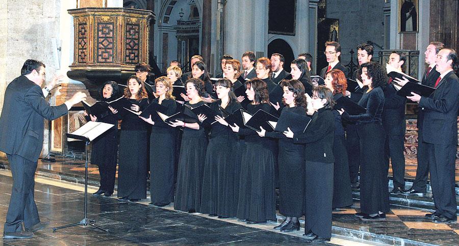 Diez años de la Coral Catedralicia Comenzó su andadura en 2002 con 32 cantores