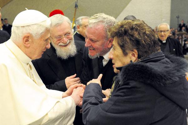 Aprobadas las celebraciones del Directorio Catequético del Camino Neocatecumenal Benedicto XVI recibe en audiencia a 7.000 de sus integrantes