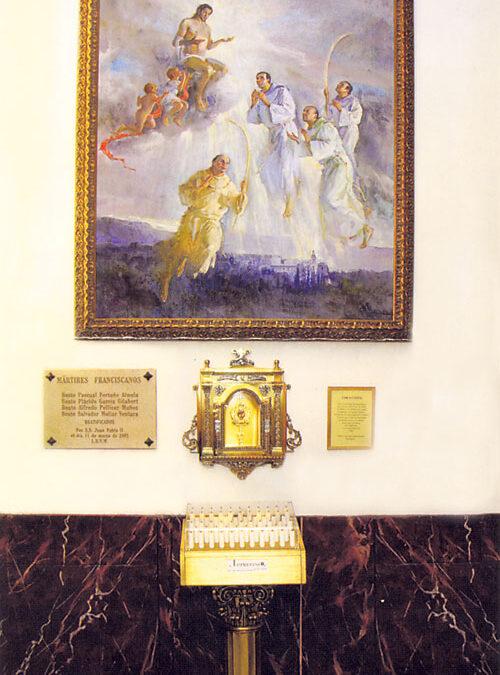 Los franciscanos instalan un relicario de sus mártires y un retrato de Juan Pablo II Por los diez años de la beatificación de los cuatro valencianos