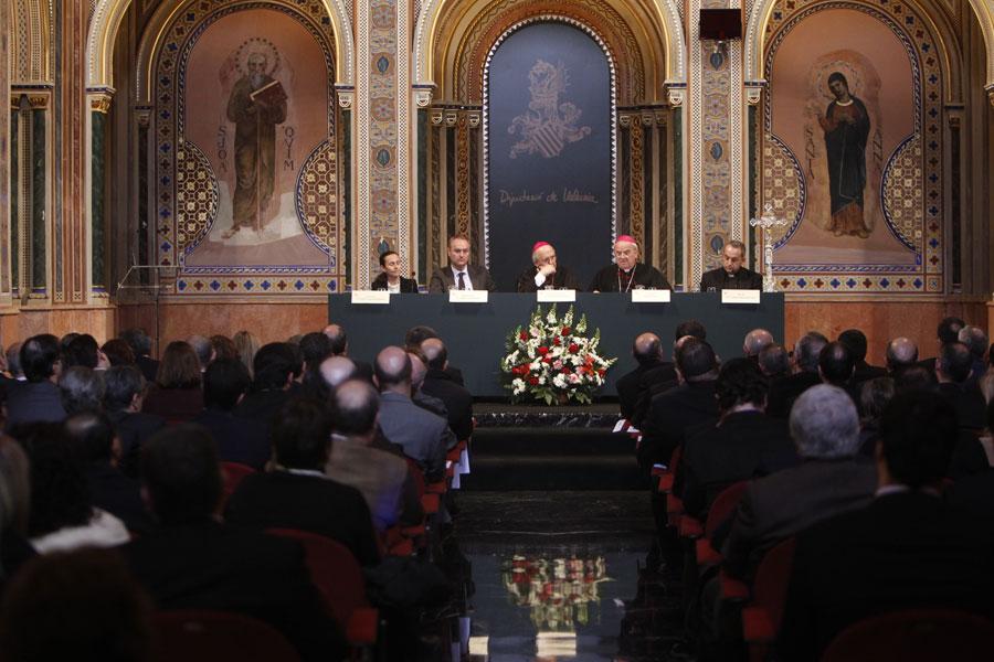 """El Arzobispo agradece el esfuerzo del Tribunal Eclesiástico de Valencia por """"adaptarse"""" a las dificultades económicas de los que buscan justicia Con la presencia del Nuncio, se presenta la memoria del Tribunal en la Apertura del Año Judicial"""