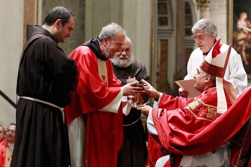 Todo a punto en Jerusalén para recibir la réplica del Santo Grial desde Valencia Entrevista a José Antonio Jordá, Provincial de los Franciscanos en Valencia