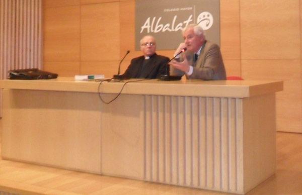 Clausura del curso de la Universitat de València sobre Ciencia Fe y Cultura Con Elías Pastor y el doctor Carlos Barcia