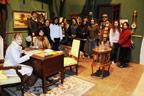 La serie 'L'Alqueria blanca' necesita antropólogos Estudiantes de Antropología comparten con el director de la exitosa serie de Canal 9 un día de rodaje