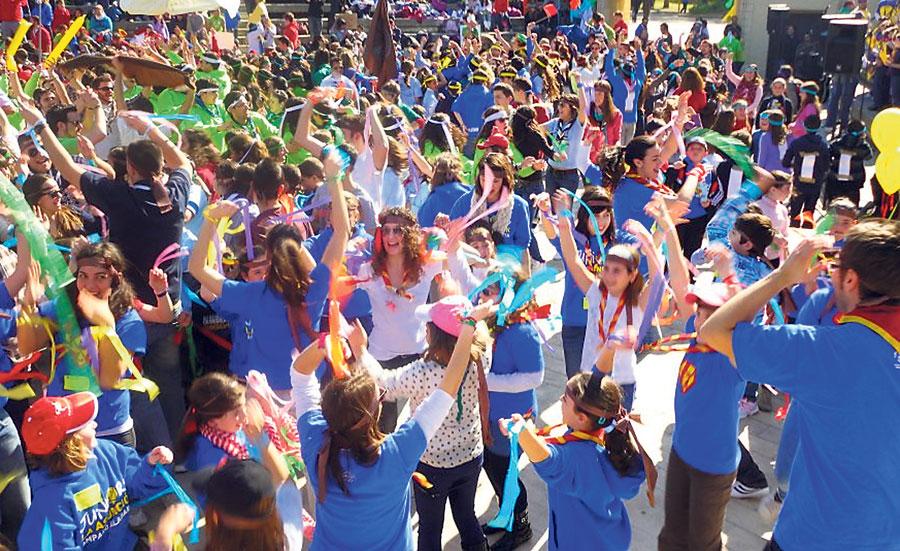 Al ritmo de la música Cientos de juniors y scouts participan en festivales en Enguera, Benicalap, Oliva y Massamagrell