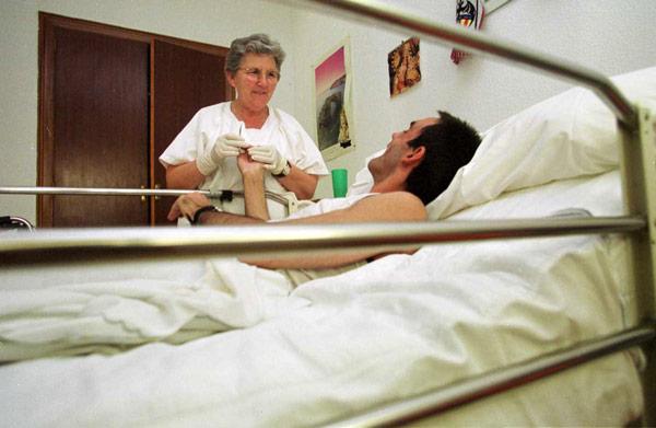 Tristeza e impotencia en Cáritas  Diocesana por el cierre de Mas al Vent Tras dos décadas concluye el programa de sida ante la imposibilidad de Cáritas de seguir supliendo las ayudas públicas no recibidas