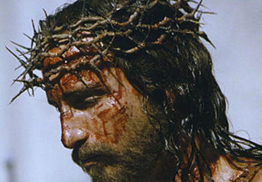 Cinefórum sobre la Pasión de Cristo en la parroquia Epifanía del Señor