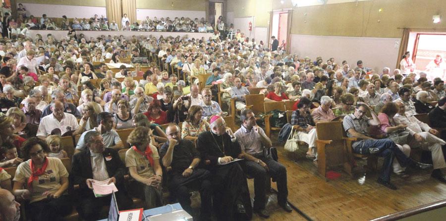 Más de mil voluntarios participan en el III Encuentro Diocesano de Cáritas Ponencias, mesas de experiencias, feria solidaria y música en el Seminario de Moncada