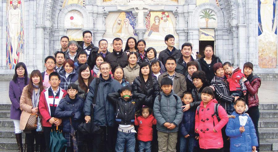 Los católicos chinos de Valencia forman un grupo del IDR El equipo ha sido constituido en la iglesia de San Valero y San Vicente Mártir, del barrio de Ruzafa