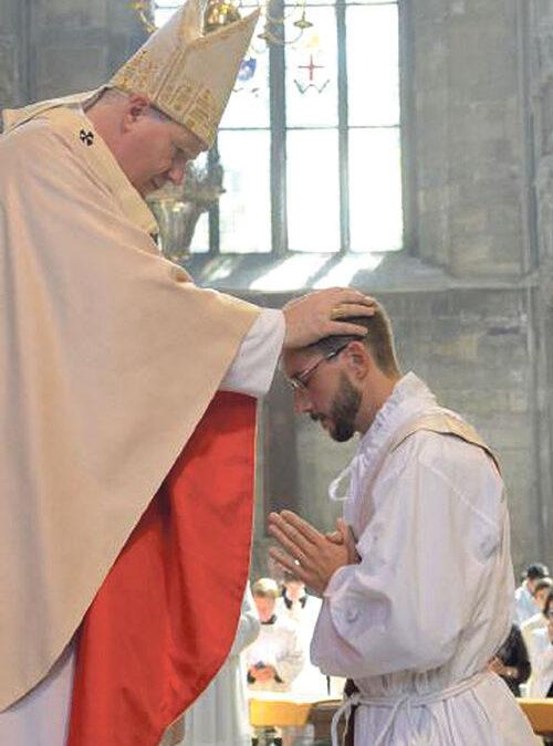 Un valenciano, ordenado sacerdote en Viena por el cardenal Schönborn Entrevista a Daniel Sancho, de 29 años, antiguo alumno de los Escolapios de la calle Carniceros