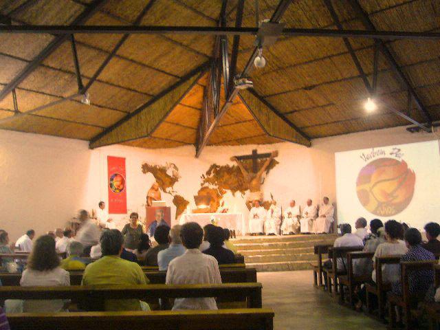 Misioneros de todo el mundo celebran en Siete Aguas los 50 años del Verbum Dei Asiste también el fundador de la fraternidad, Jaime Bonet