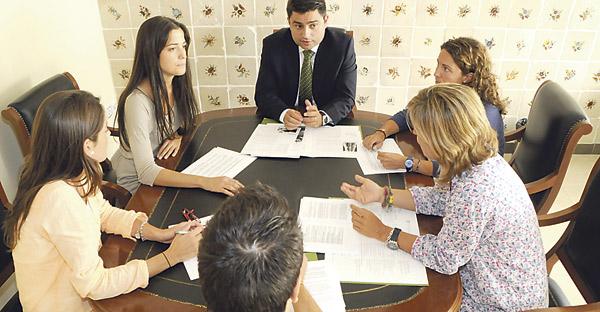 Profesionales de primer nivel impartirán gratuitamente conferencias de formación para el empleo en Valencia Organizadas por el 'Proyecto Persona-Economía de Comunión' del Arzobispado y la UCV