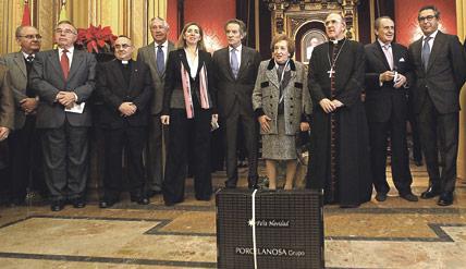 Regalo para 15.000 familias valencianas sin  recursos: una caja navideña repleta de alimentos Donación solidaria de Porcelanosa a través de Cáritas Comunidad Valenciana y Casa Caridad