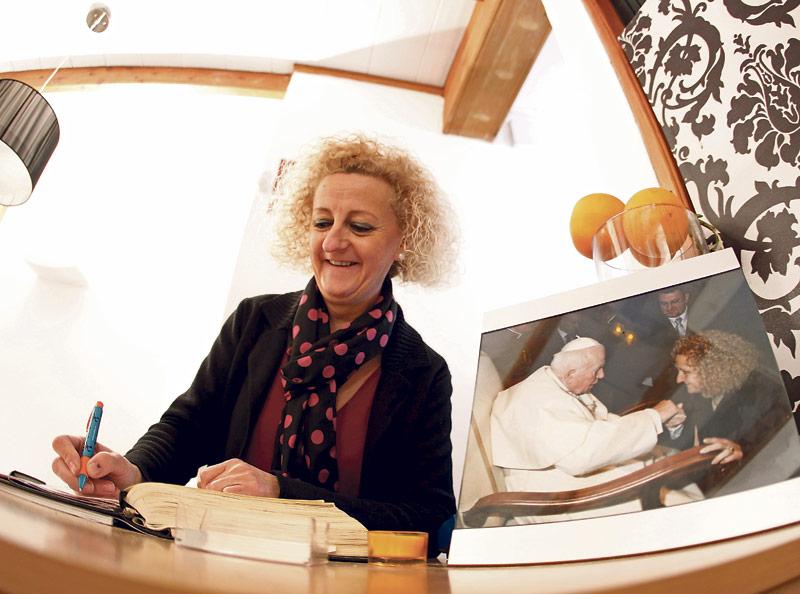 """""""No escondo la fe en  mi restaurante, y eso  también te lo agradecen"""" Entrevista a Merche Murgui Soriano, gerente del restaurante 'La abadía de la Pau' en Valencia"""