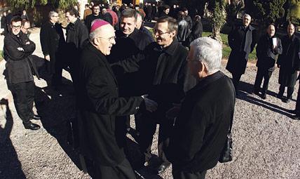 """Arranca la 'Misión en Valencia Porta Fidei' en el """"inicio de una nueva época en nuestra diócesis"""" Todas las parroquias preparan ya este proyecto de evangelización para Cuaresma con 370 sacerdotes"""