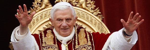 """Benedicto XVI:""""Os suplico que continuéis rezando por mí y por el próximo Papa"""" El cónclave podría reunirse antes del 15 de marzo"""