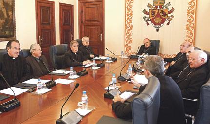 """Los obispos de la Provincia Eclesiástica Valentina invitan a los fieles a """"rezar por Benedicto XVI y por el futuro Papa"""" Han agradecido la labor del Pontífice, ante su renuncia, y han analizado la evangelización de jóvenes"""