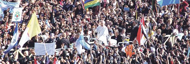 Un comienzo 'revolucionariamente' sencillo La 'Misa del Inicio del Ministerio Petrino' congregó en Roma a cientos de miles de fieles de todo el mundo