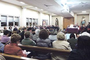 'Correas de amor' en la entrega del 'Padre Nuestro' en  San Juan Bosco, de Torrent