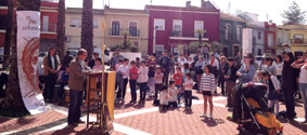 Fieles del Camino llevan la alegría de la fe a las plazas de la diócesis Han dado testimonio público de su fe durante los domingos de Pascua