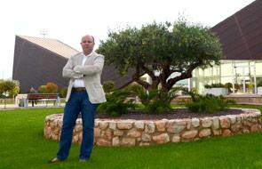 """""""Necesitamos una arquitectura bella que conduzca a tener otra visión de la vida"""" Entrevista a Quino Bono Safont, 42 años. Vive en Alzira. Arquitecto y director general de 'QB Arquitectos'"""
