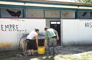 'Scouts' voluntarios rehabilitan la Casa Oràa Los participantes en estos campos de trabajo sanearán y retirarán escombros, pintarán...