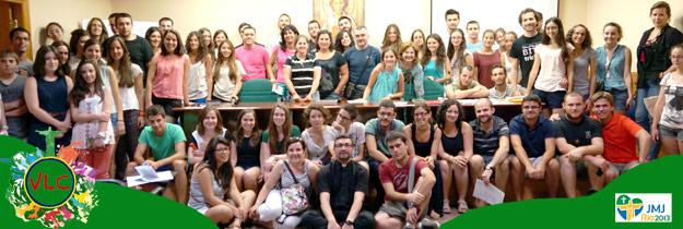Desembarco valenciano en la JMJ Río 2013 Tras una vigilia de oración con el Arzobispo en la Basílica, 145 jóvenes valencianos parten rumbo a Brasil