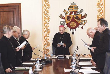 """Los obispos, preocupados por la situación de la  enseñanza, piden no infravalorar la clase de Religión Destacan su importancia como """"educación integral"""", en su última reunión del curso"""