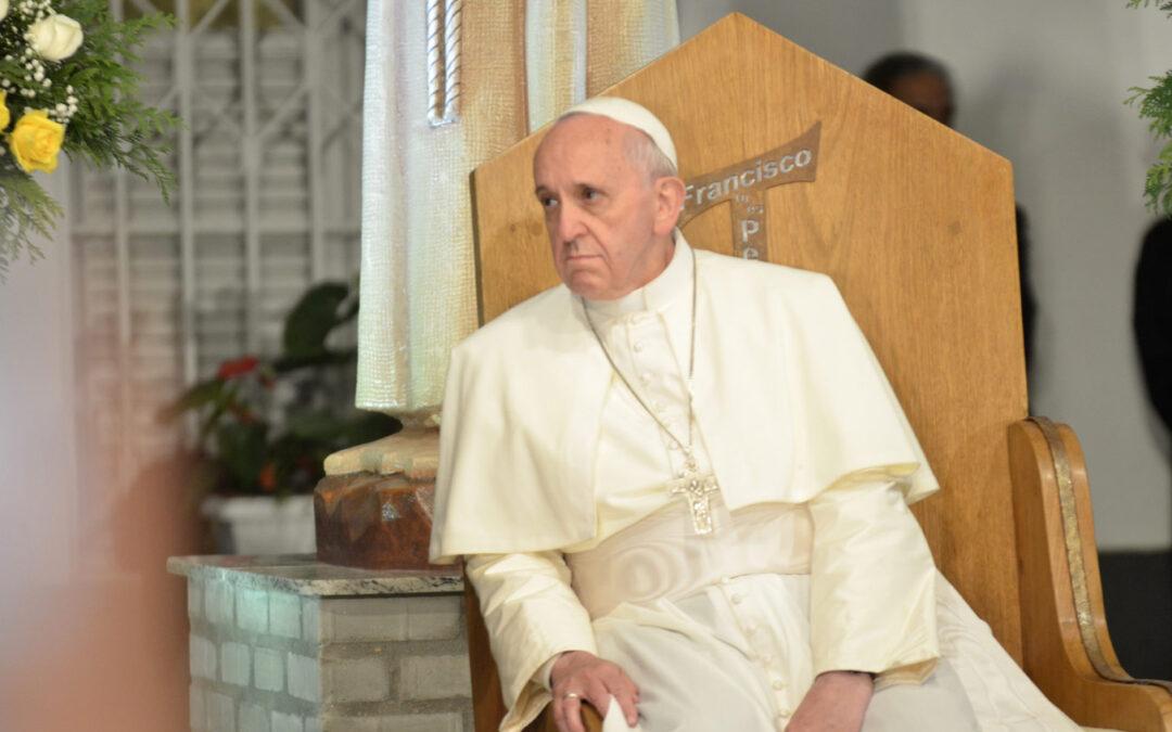 Entrevista completa en la televisión brasileña al papa Francisco El diálogo con el periodista Gerson Camarotti fue grabado en la residencia Sumaré, del arzobispado de Río de Janeiro, que fue donde Francisco residió