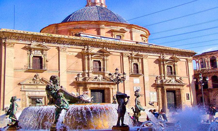 Juan XXIII y Juan Pablo II: tras sus huellas en la ciudad de Valencia PARAULA les ofrece un recorrido por algunas de las numerosas huellas que dejaron sus pontificados
