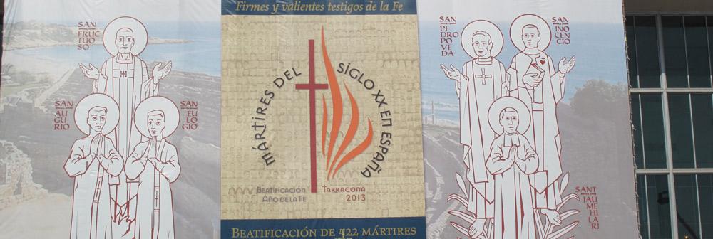 """Los mártires españoles del siglo XX,  """"profetas desarmados de la caridad de Cristo"""" El cardenal Angelo Amato preside en Tarragona, ante 25.000 peregrinos, la ceremonia  en la que son elevados a los altares 522 mártires de la persecución religiosa de los años 30"""