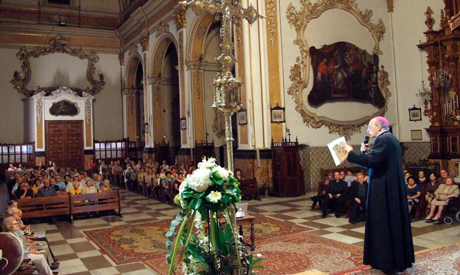 Arranca la presentación a los fieles del nuevo curso pastoral El primer encuentro fue en Santo Tomás y San Felipe de Valencia