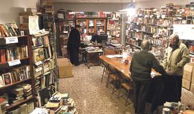 La 'Biblioteca Solidaria' pide voluntarios para el envío de libros al Tercer Mundo Ha distribuido 40.000 libros en seis años a escuelas y  parroquias de países como Perú, Honduras o Guinea Ecuatorial