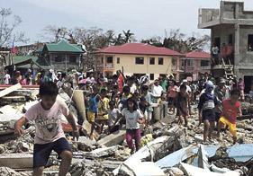 La Iglesia, volcada con los afectados por el tifón de Filipinas El Papa y monseñor Carlos Osoro, manifiestan su profundo dolor, rezan por las víctimas y piden la ayuda concreta de todos