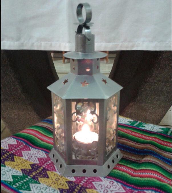 Una antorcha encendida en Belén llega a Valencia para distribuir la Luz de la Paz Cada año se enciende la llama original en la gruta del nacimiento de Jesús en Belén