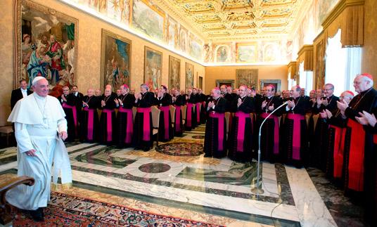 """""""Poned a vuestras Iglesias en un estado de misión permanente"""" El Papa, a los obispo españoles"""