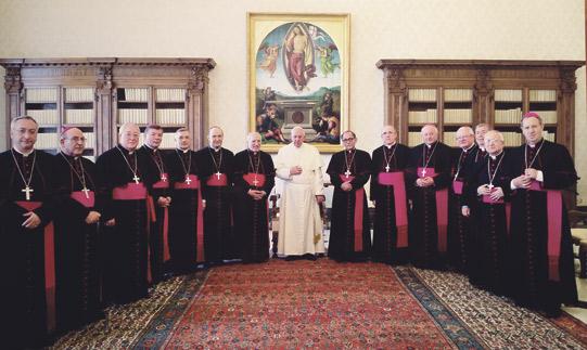 """El Papa recibe a Mons. Osoro en un """"encuentro entrañable"""" en el que alienta a los obispos a saber """"escuchar"""" El Arzobispo señala tras la audiencia en Roma que Francisco evocó su presencia en Valencia en el V EMF"""