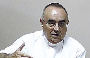 """""""Fue un testigo del Señor que nos contagiaba a todos sencillez, alegría y esperanza"""" El Arzobispo, en el funeral por Vicente Serrano, vicario de Acción Caritativa y Social"""