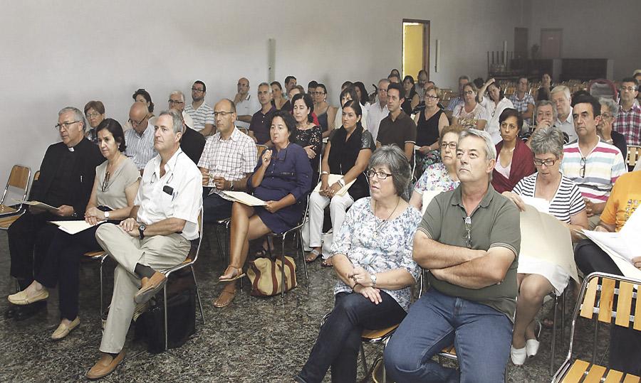 Más de 70 matrimonios, en el primer encuentro de la Red Diocesana de Familias Misioneras en Torrent Con conferencias y exposición de experiencias, en los dominicos de El Vedat