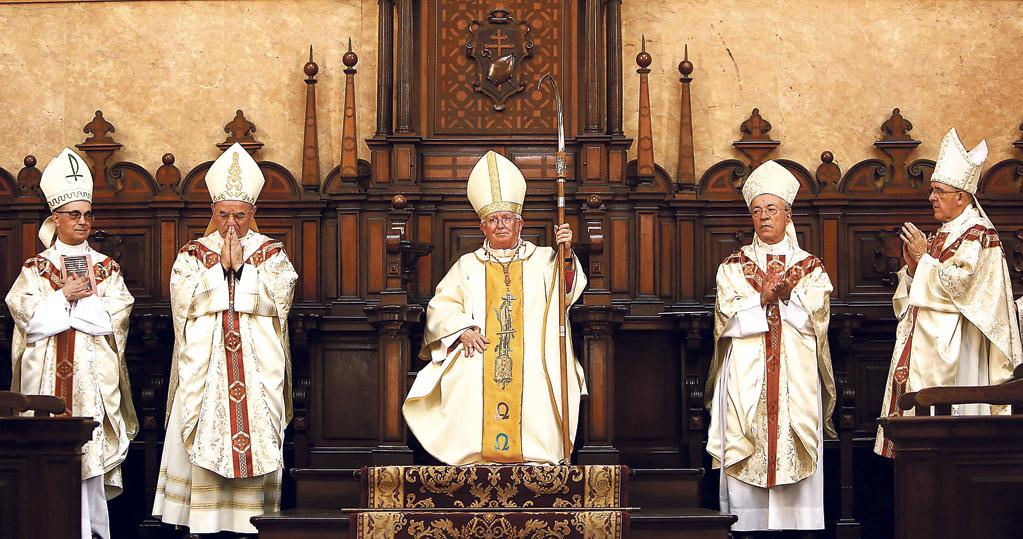 Valencia acoge a su Cardenal en una gran fiesta de la Iglesia La Catedral, abarrotada de fieles en la misa de su toma de posesión