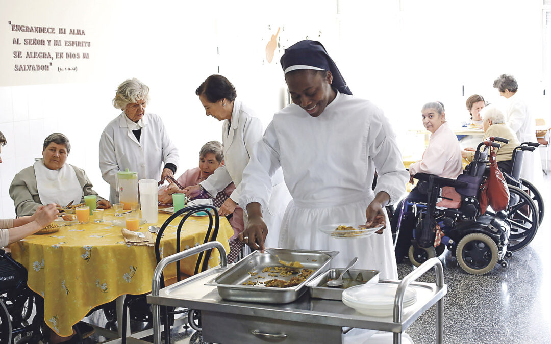 Los 'ángeles' de las mujeres más necesitadas en Valencia, de aniversario en el Cottolengo Las Hermanas Servidoras de Jesús celebran los 75 años de su congregación y cuentan su día a día