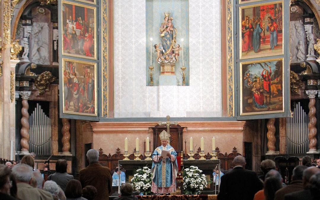 Lunes 8 de diciembre, solemnidad de la Inmaculada Concepción El domingo 7, a las 22 horas, vigilia de jóvenes en la Basílica