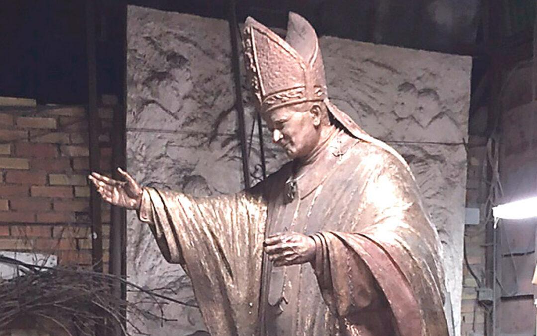 La estatua de san Juan Pablo II para Valencia, terminada La suscripción popular continúa y dará pie también a una obra social