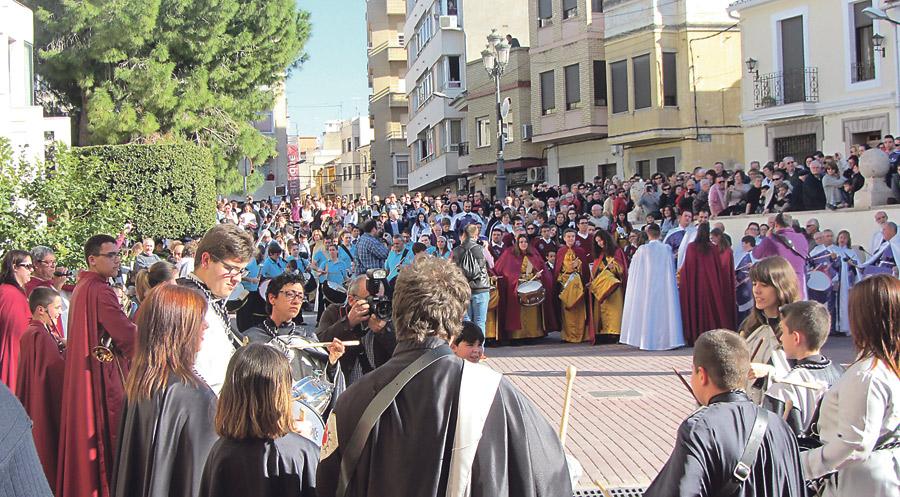 250 cofradías, unidas en una procesión de cinco horas en Llíria El pasado sábado 7 de marzo presidida por el cardenal Cañizares