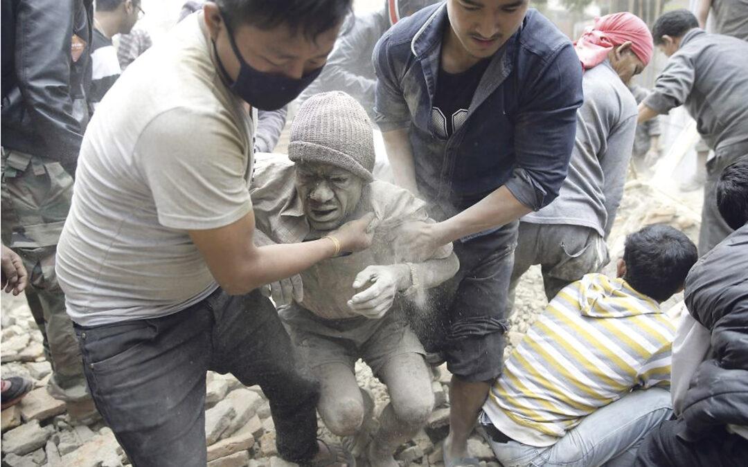 """Operación de Cáritas en Nepal para atender a las víctimas del terremoto Francisco pide """"solidaridad fraterna"""" ante """"esta calamidad"""""""