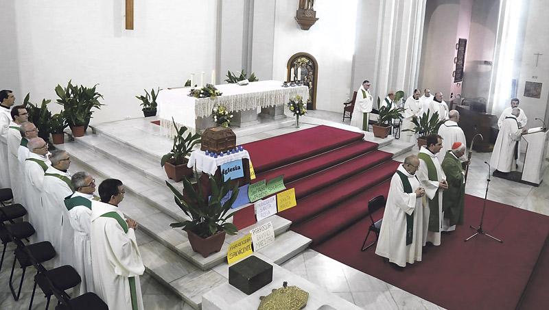 Alcoi contará con una capilla de Adoración Eucarística Así los anunció el Cardenal tras concluir su visita pastoral