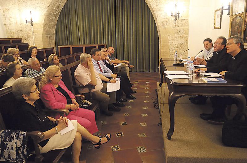 Comienzan los preparativos para el Año Jubilar de la Misericordia El Foro de Laicos fija actividades en su Asamblea final de curso