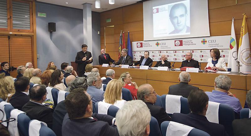 """Arranca la causa de canonización de José M. Haro, primer magistrado valenciano camino de los altares El cardenal Antonio Cañizares lo define como """"una figura clave para lo que estamos viviendo en 2015"""""""