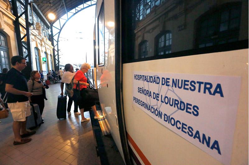 Testigos valencianos de la paz en Lourdes,  transmisores de esperanza desde la enfermedad Esta semana,  peregrinación de la Hospitalidad Valenciana con más de mil participantes al santuario francés